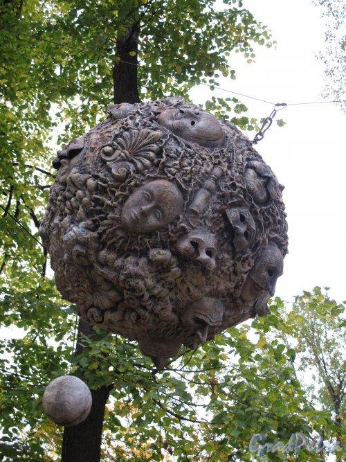 Измайловский сад. Адрес: наб. реки Фонтанки, д. 114. Скульптура. Фото октябрь 2011 г.