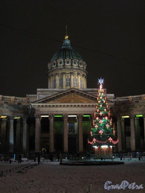 Сквер у Казанского собора. Новогоднее оформление. Фото январь 2012 г.