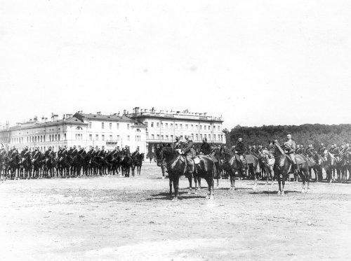 Смотр на Марсовом поле в день 10-летия конно-полицейской стражи. Фото 11 июня 1908 года.