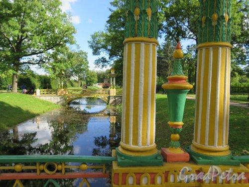 Александровский парк (Пушкин), АФ. Малый Китайский мост, 1781-1787. Решение колонн. фото август 2016 г.