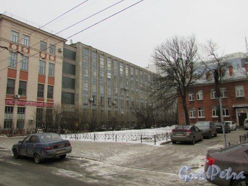Сквер без названия №  18047 на ул.Александра Невского, д.7 (левая часть). Фото 2 марта 2019 года.
