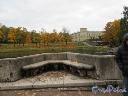 Гатчинский парк (Дворцовый). Карпин мост. Балюстралы моста. фото октябрь 2017 г.