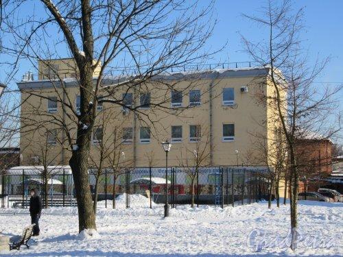 Сад Сан-Галли (Лиговский пр., 60-62-Ул. Черняховского, 62). Площадка для городков и Детский госпитальный центр. фото февраль 2018 г.