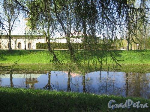 Екатерининский парк (Пушкин). Вид Продольного пруда Китайской деревни. фото май 2018 г.
