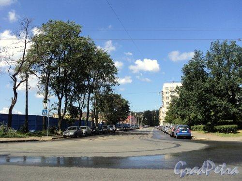Перспектива Дегтярного переулка от Новгородской улицы в сторону поворота. Фото июль 2010 г.