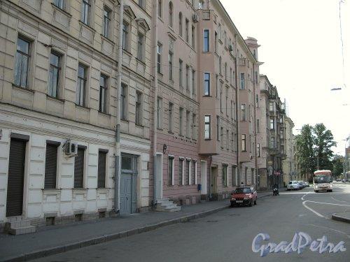 Перспектива переулка Талалихина от улицы Блохина в сторону проспекта Добролюбова. Фото июнь 2009 г.