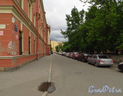 Перспектива Лазаретного переулка от Введенского канала в сторону Большого Казачьего переулка. Фото