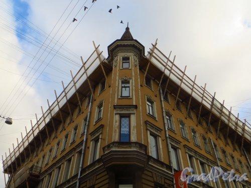 Переулок Ульяны Громовой, дом 1 / улица Восстания, дом 13. Ремонтные работы. Фото 22 октября 2014 года.
