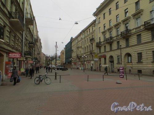 Перспектива Финского переулка от площади Ленина в сторону улицы улицы Академика Лебедева. Фото 22 апреля 2015 года.
