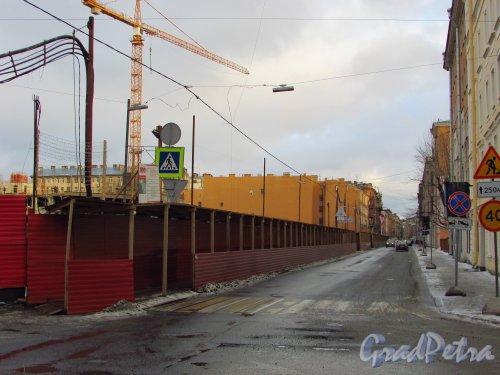 Перспектива Баскова переулка от улицы Короленко в сторону улицы Маяковского. Фото 29 января 2016 года.