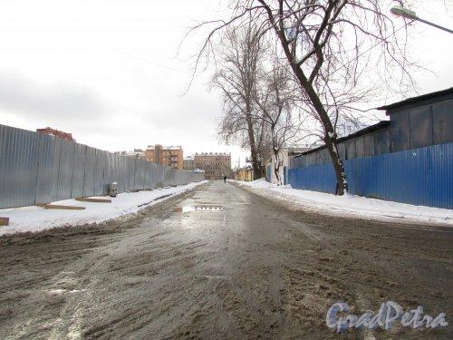 Перспектива Общественного переулка от Перевозной набережной в сторону проспекта Обуховской Обороны. Фото 17 февраля 2016 года.