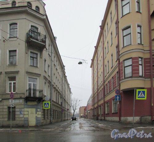 Перспектива Беловодского переулка от Большого Сампсониевский проспекта в сторону Выборгской набережной. Фото 7 февраля 2016 года.