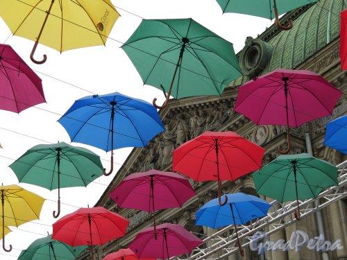 Соляной пер. Декоративная конструкция для Праздника летающих зонтиков. фото май 2015 г.