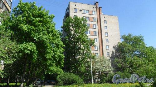Альпийский переулок, дом 2. Вид дома с Белградской улицы http://history.gradpetra.net/ulitsa/35/386.html . Фото 21 мая 2018 года.