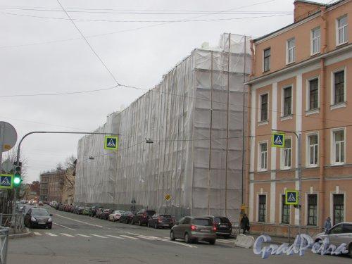 Подъездной переулок, дом 13, литера А. Общий вид здания во время реконструкции. Фото 5 ноября 2019 года.