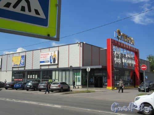 Урхов пер., д. 7. Гипермаркет «Лента». Общий вид здания. фото июль 2018 г.