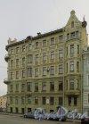 Театральная площадь, дом 8 / набережная канала Грибоедова, дом 109. Фасад со стороны театральной площади. Фото 24 марта 2014 года.