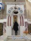 Якорная пл. (Кронштадт), д. 5. Никольский Морской собор, 1903-13. Икона на боковом столпе. фото Ноябрь 2015 г
