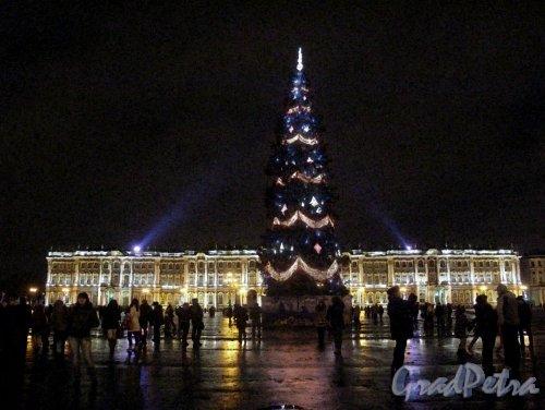 Дворцовая пл. в новогоднем оформлении. Фото январь 2012 г.