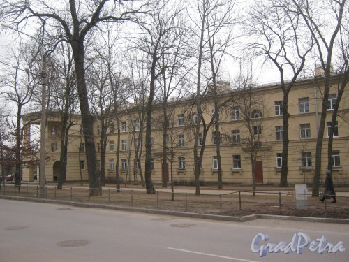 Г. Пушкин, Привокзальная пл., дом 2. Фрагмент здания со стороны Софийского бульвара. Фото 1 марта 2014 г.