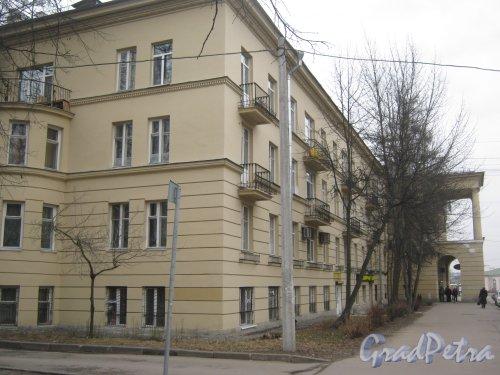 Г. Пушкин, Привокзальная пл., дом 4. Фрагмент здания со стороны Софийского бульвара. Фото 1 марта 2014 г.