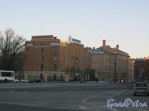Пл. Пролетарской Диктатуры. Вид от Тульской ул. в сторону Суворовского пр. Фото 18 марта 2014 г.