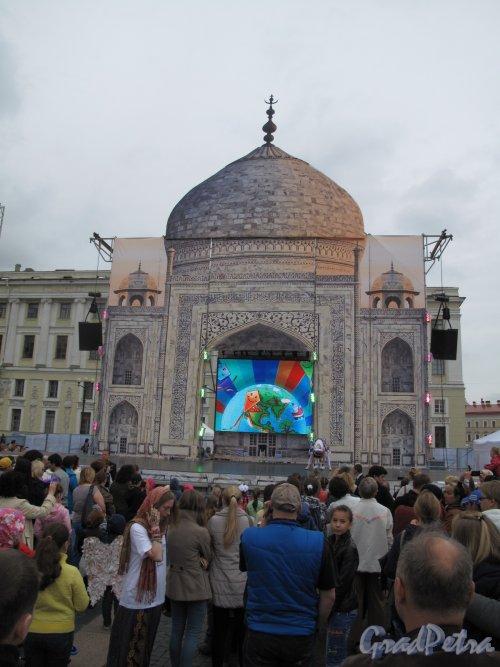 «Тадж-Махал» на Дворцовой пл. фестиваль «В гостях у Ангела» фото 1 июня 2014 г.