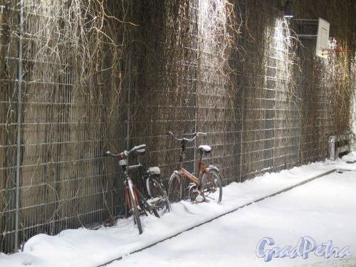 Преображенская пл., д. 4. Двор. Зима. Фото январь 2015 г.