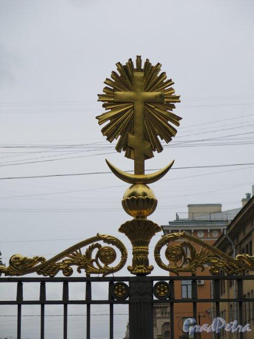 Спасо-Преображенский всей гвардии собор. Навершие стойки ограды. фото май 2015 г.