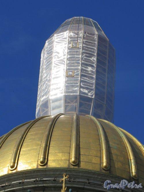 Исаакиевская пл., д. 4. Исаакиевский собор. Вид верхней башенки во время ремонта. фото июль 2016 г.