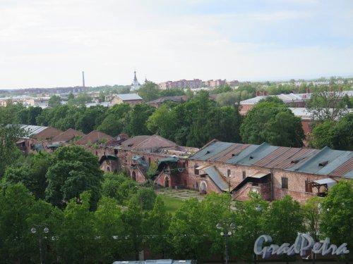 Вид города Кронштадта со смотровой площадки Морского Собора. фото июнь 2017 г.