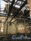 Лермонтовский пр., дом 57-59, лит. Б. Последствия  пожара в мае 2013 года. Фото 12 марта 2014 года.