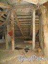 Лермонтовский пр., дом 57-59, лит. В. Деревянные стропила крыши. Фото 12 марта 2014 года.