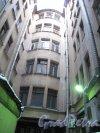 Литейный пр., д. 47. Доходный дом Ш. -З. Иоффа. Двор. Фото октябрь 2011 г.