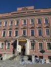 Невский пр., д. 176. Вход в ресторан «Амроц». Фото март 2014 г.