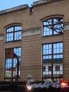 Малый проспект В.О., дом 52, литера А. Вид на дом 55 по 18-й линии В.О. через окно здания, после сноса основной части корпуса завода «Эскалатор». Фото 26 сентября 2014 года.