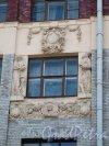 Большой пр., В.О., д. 50. Доходный дом Н. П. Демидова. Оформление окна. Фото апрель 2014 г