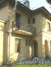 Пр. Елизарова, дом 8, корпус 1. Фрагмент фасада. Фото 27 июля 2014 г.
