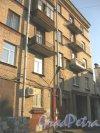 Пр. Елизарова, дом 11. Фрагмент здания со стороны двора. Фото 27 июля 2014 г.