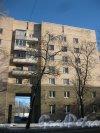 Бол. Сампсониевский пр., дом 85. Фрагмент фасада. Фото 9 февраля 2015 года.