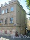 Средний пр. В.О., дом 75. Фрагмент фасада здания. Фото 18 августа 2015 г.