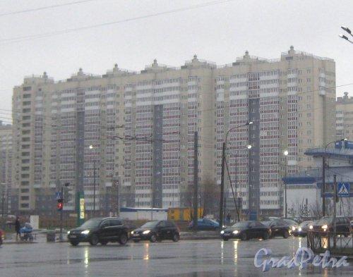 Ленинский пр., дом 57, корпус 2, литера А. Вид с ул. Маршала Захарова. Фото 29 декабря 2013 г.