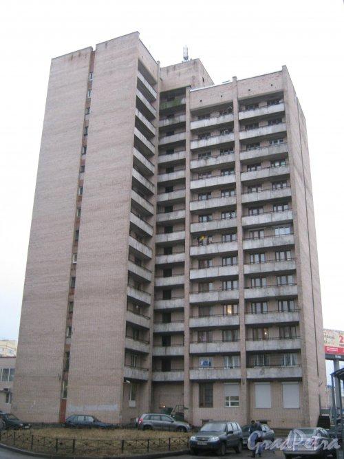 Пр. Маршала Жукова, дом 22. Вид со стороны дома 20. Фото февраль 2014 г.