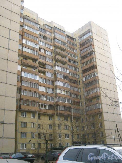 Пр. Маршала Жукова, дом 37, корпус 3. Фрагмент здания. Вид со стороны двора дома 100, корпус 2 по Ленинскому пр. Фото 28 февраля 2014 г.