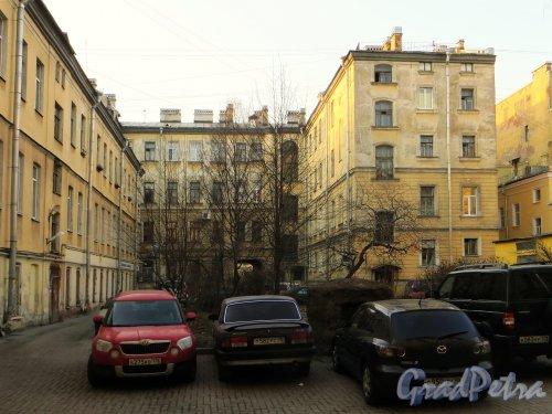 Суворовский пр., д. 39, лит. А. Вид со двора. Фото 28 февраля 2014 г.