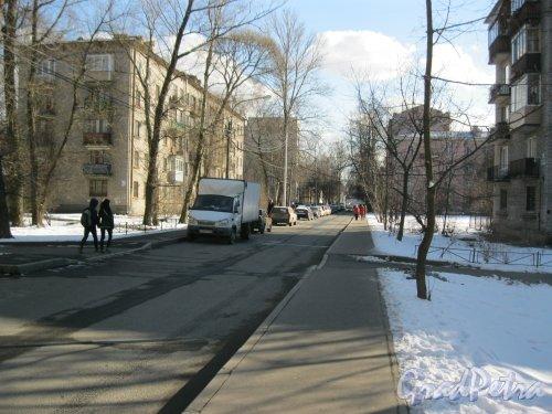 Костромской пр. в районе дома 37. Вид в сторону Скобелевского пр. Фото 18 марта 2014 г.