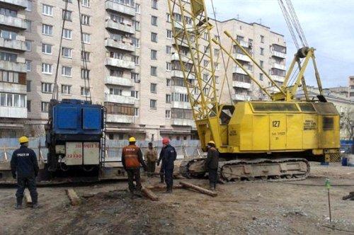 Большеохтинский пр., дом 15, корп. 2. Начало строительства ЖК «Охта-Модерн». Фото 17 апреля 2014 года.