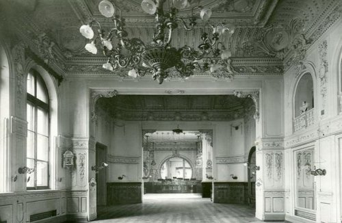 Залы ресторана «Палкинъ». Фото 1914 г.