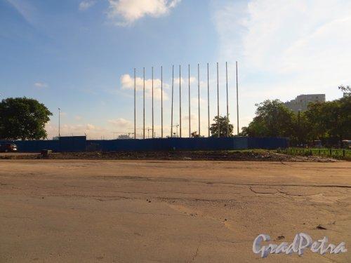 пр. Юрия Гагарина, дом 8а. Участок на углу Бассейной улицы и проспекта Юрия Гагарина после сноса павильона «Радиодетали». Фото 6 сентября 2014 года.