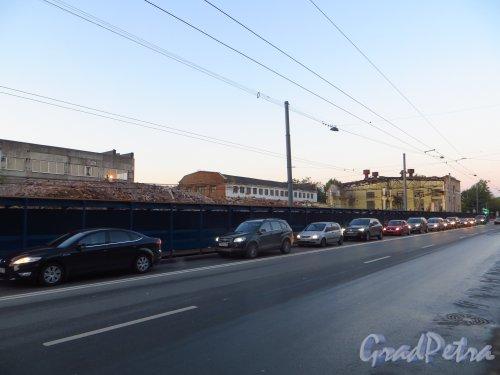 Малый проспект В.О., дом 52, литера А. Процесс сноса корпусов завода «Эскалатор» на 26 сентября 2014 года.